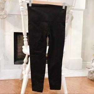 SPANX High Waisted Capri Leggings - NEW Never Worn